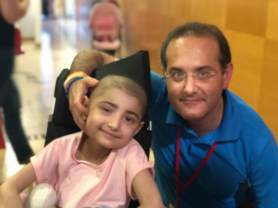 La fundacion Alba Perez compra 3 lavadoras y tres secadoras para una casa de acogida de niños enfermos de cáncer infantil y otras enfermedades graves