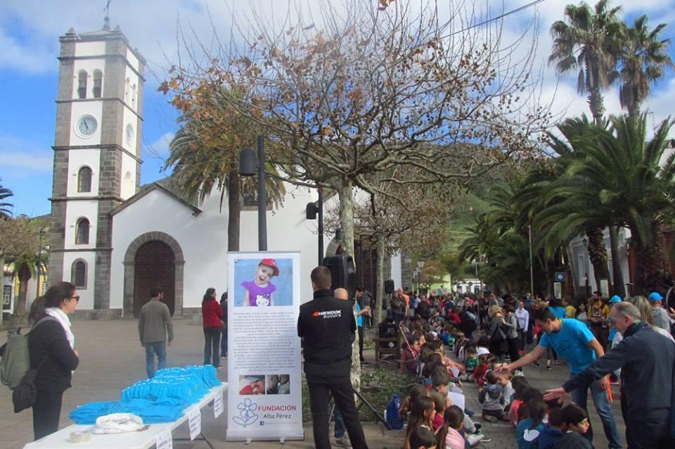 Los niños y profesores de un colegio de Tenerife colaboran con la Fundacion Alba Perez